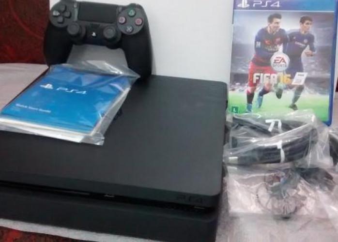 Playstation 4 Slim 500gb 2 controles + 2 jogos