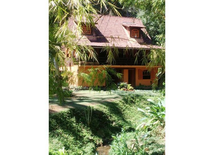 Casa estilo rustico em condominio - Casa em Condomínio a Venda no bairro Bonsucesso - Petrópolis, RJ - Ref: GEN84731