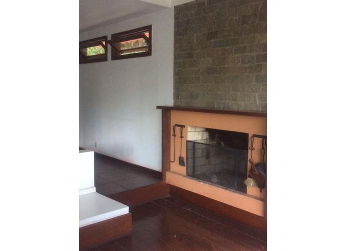 CASA TRIPLEX - Casa em Condomínio a Venda no bairro Itaipava - Petrópolis, RJ - Ref: GEN28505