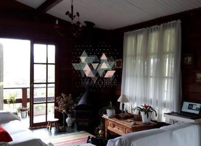 CHARMOSA CASA EM CONDOMINIO - Casa em Condomínio a Venda no bairro Itaipava - Petrópolis, RJ - Ref: GEN15660