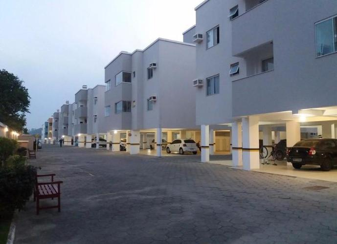 Apto em Condomínio Fechado - Apartamento a Venda no bairro Bombas - Bombinhas, SC - Ref: MI26474