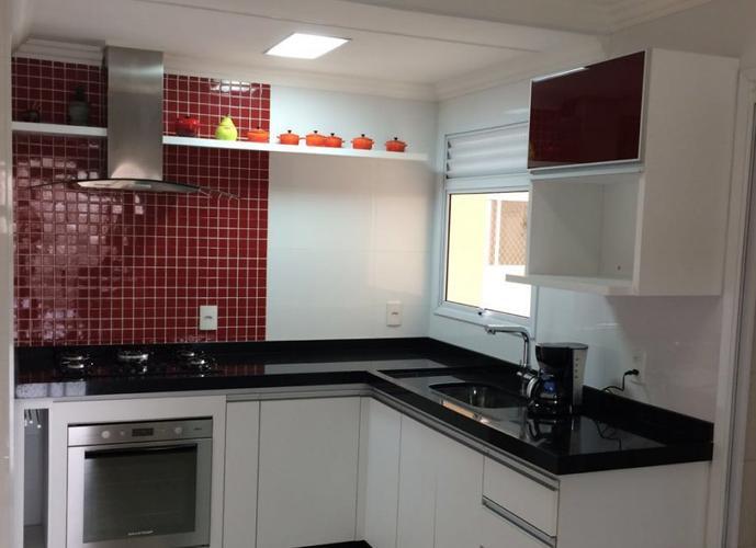 Apartamento a Venda no bairro Vila Bastos em Santo André - SP. 4 banheiros, 3 dormitórios, 1 suíte, 2 vagas na garagem, 1 cozinha,  closet,  área de serviço,  copa,  lavabo,  sala de estar,  sala de tv,  sala de jantar,  dependência de empregada,  escritó