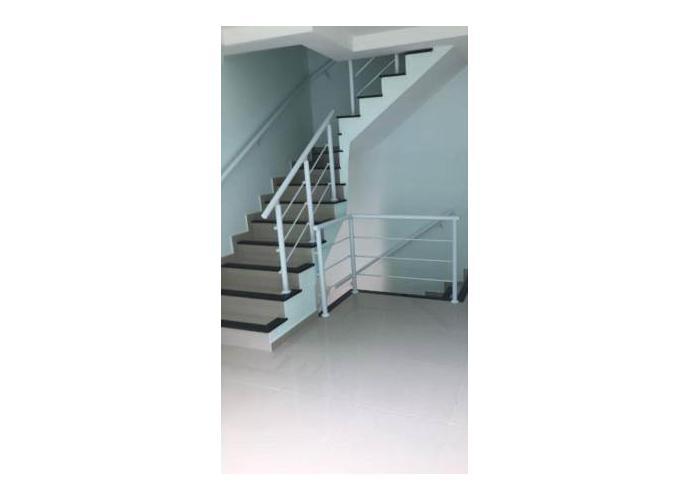 Sobrado à venda, 118 m², 3 quartos, 1 banheiro, 1 suíte