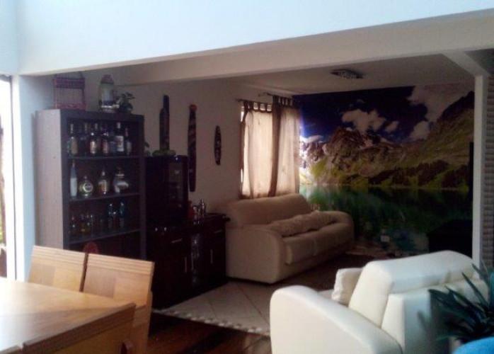Sobrado 3 Dormitórios com Piscina 342 m² em São Bernardo do Campo - Demarchi.