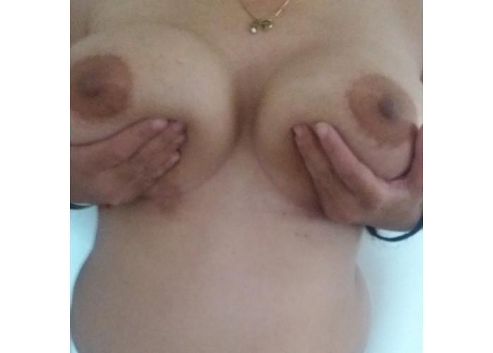 Tiazona na promocao da rapidinha oral garganta profunda bjus grego anal e vaginal c/local