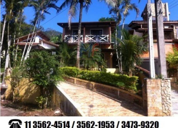 Casa em Condomínio Fechado à Venda em Caraguatatuba