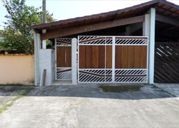 Casa usada para venda a vista em Itanhaém.