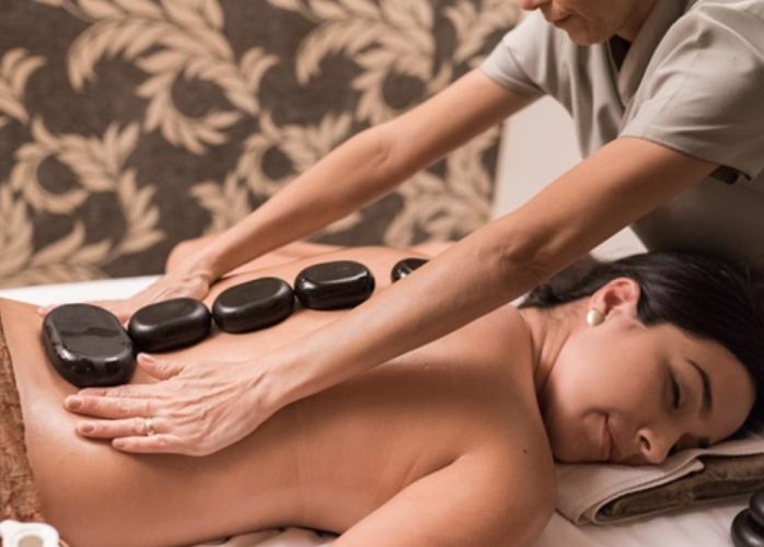 Massagem relaxante e tântrica