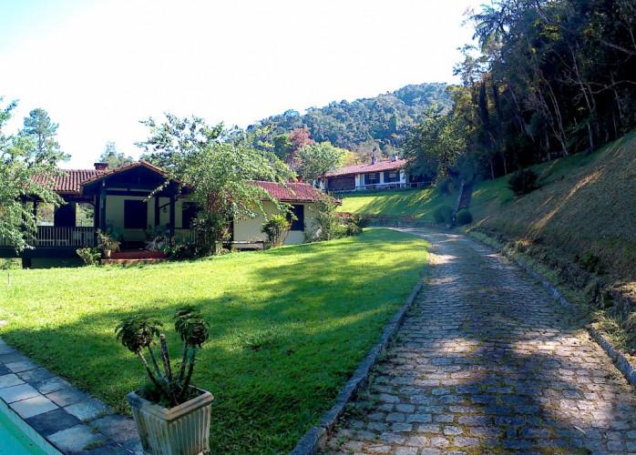 Petrópolis - Faz. Inglesa Sítio casa/terreno 12.000m²