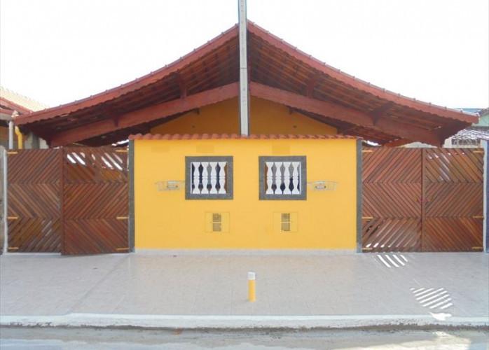 Vende casa em Mongaguá, com garagem coberta para 2 carros!