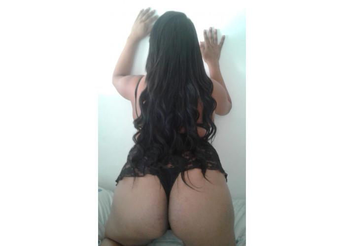 Novinha safadinha que gosta de fazer uma deliciosa massagem com sexo bem gostoso