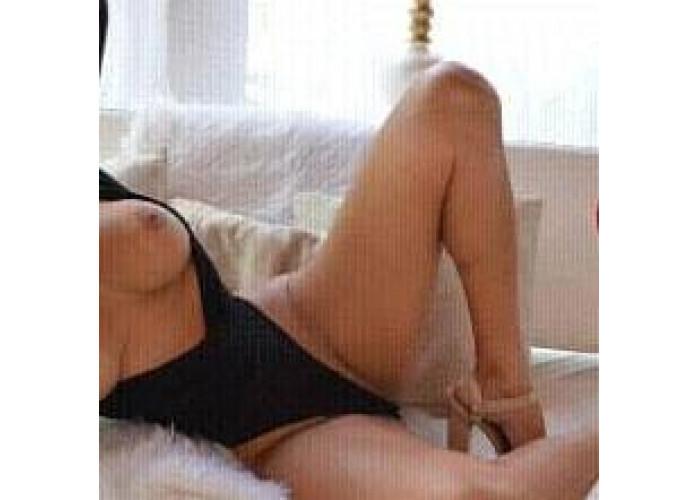 Louca por sexo completo anal apertadinho e com local aceito cartão promoção oitentinha