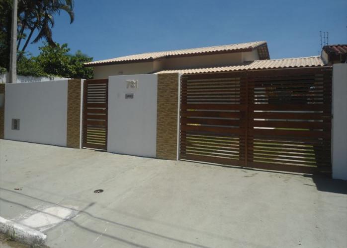 Vende casa linda em Itanhaém com garagem para 3 carros!