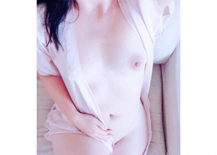 Amanda Sato acompanhante de luxo fluente na língua japonesa