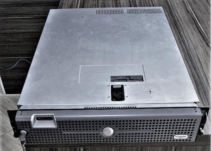 Dell Power Edge 2950 Servidor Intel Xeon 2x2.33Qc, hd1.65tb, m4gb e drive de cd/dvd