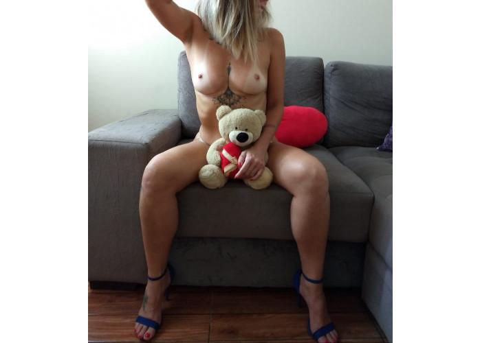 Carol mayer;loira safada experiente com corpo de menina e completa. Motel/hotel