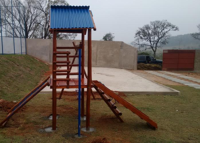Escorregador Infantil casinha de tarzan playground infantil