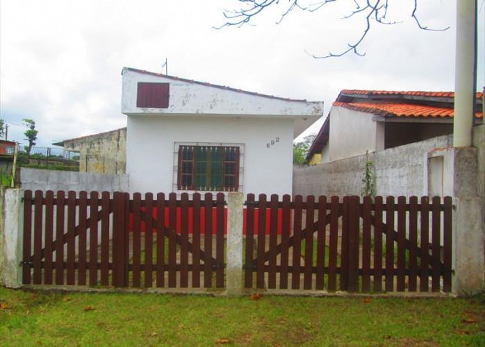 Vende casa em Itanhaém, aceita financiamento com os bancos!