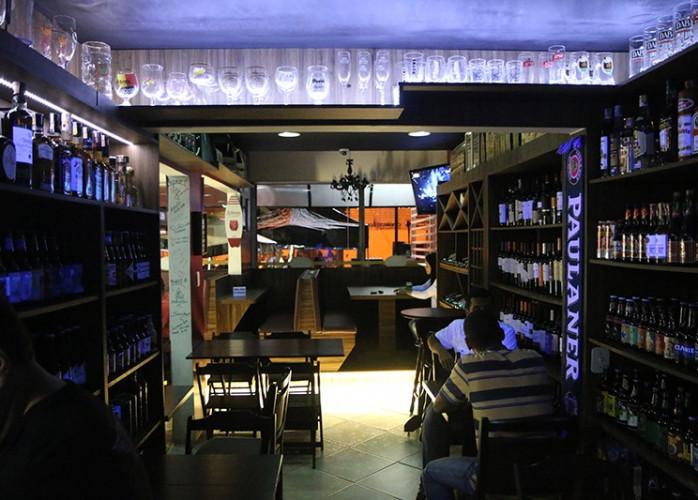 Lindo Bar Noturno / Empório em Mauá.