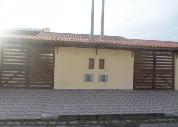Casa em Itanhaém com garagem para 4 carros!