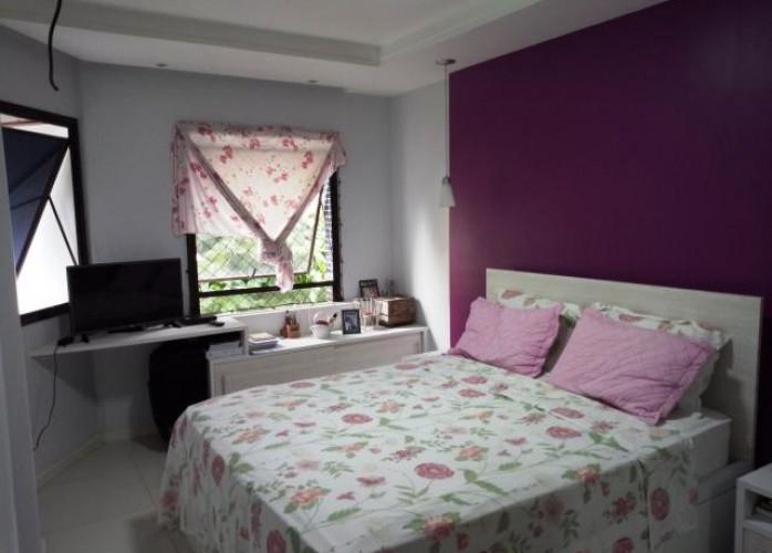Apartamento  3 quarttos (um suíte)  em Ondina. Excelente localização!