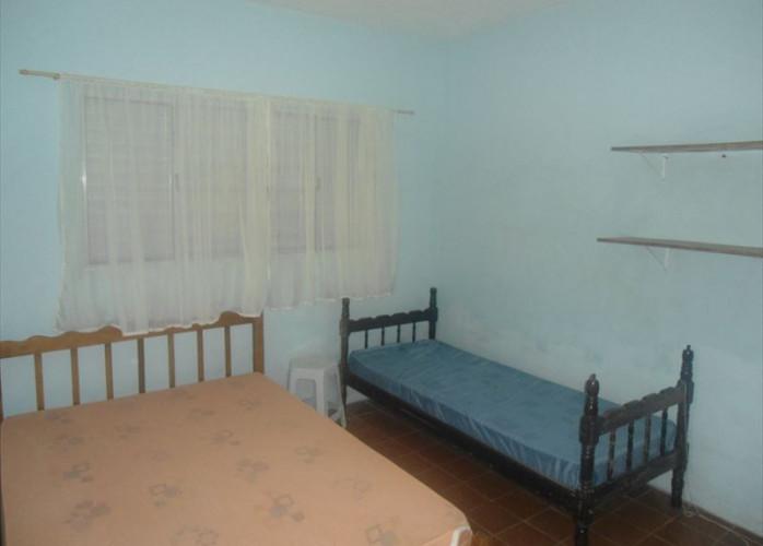 Casa a venda em Itanhaém, em lote de 280 m²