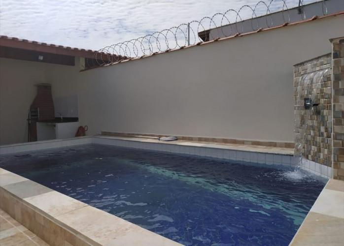 Imovel para financiar em Itanhaém, casa linda com piscina e churrasqueira, na praia.