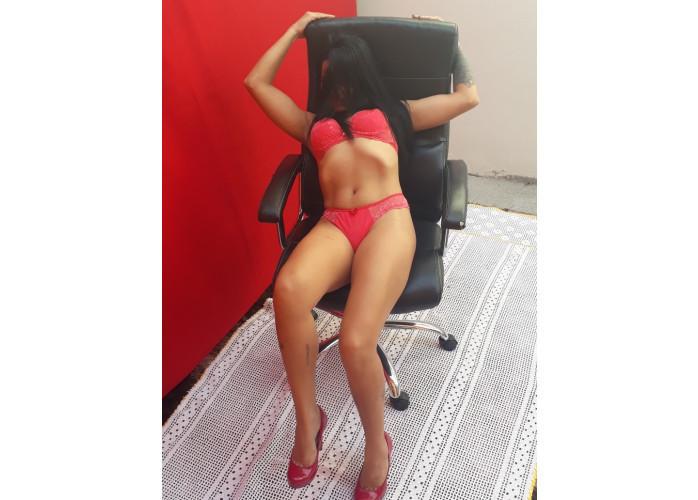 Milena  Baixinha com  massagem e sexo