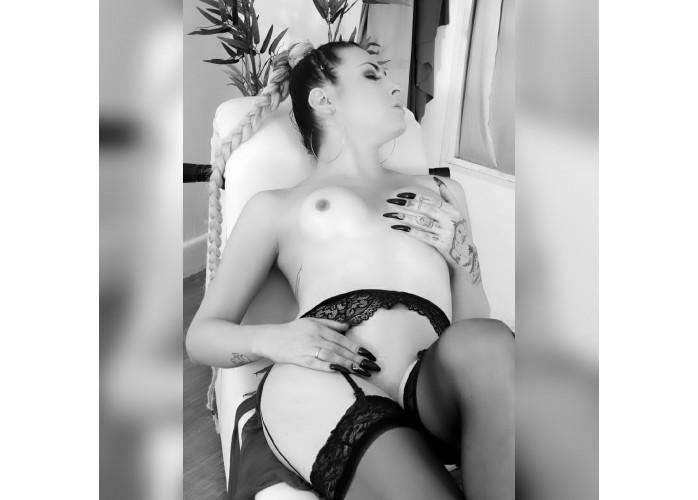 Trans acompanhante e massagista .  APENAS ESSA SEMANA  80,00 !!!