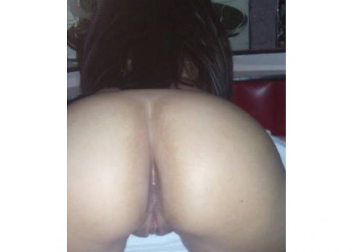 Magrinha gostosa sexo com qualidade venha me conhecervectervbons momentos de prazer
