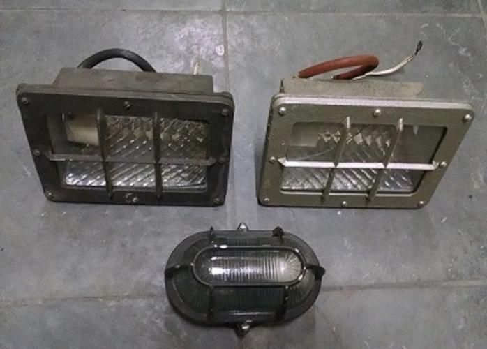 Luminárias de alumínio 3 unidades usadas