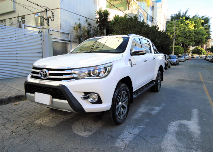 Toyota Hilux CD 2.8 16V SRX 4x4 único dono - Completa
