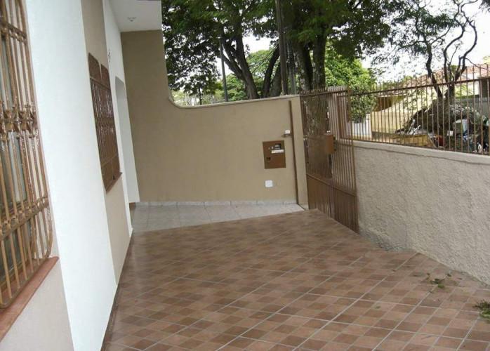 Casa em alvenaria , 03 quartos, sala, copa e cozinha, 03 banheiros, + edicula com churrasq