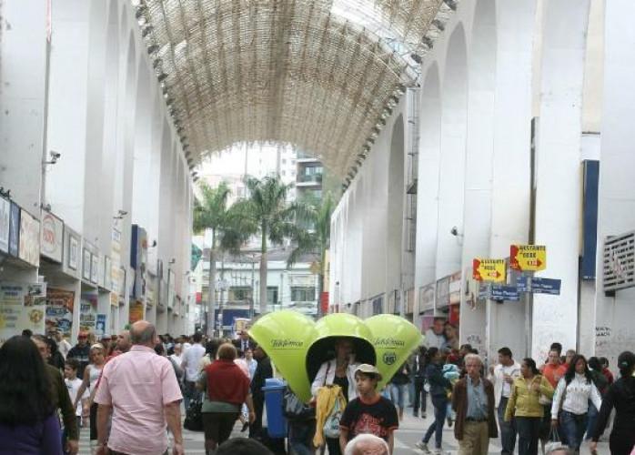 Loja de Variedades na Rua Cel. Oliveira Lima, Centro de Santo André.
