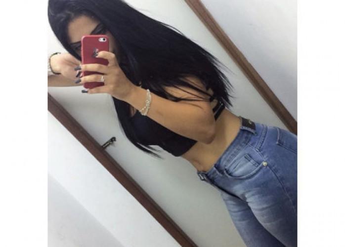 Bianca universitária 18 anos corpo todo natural