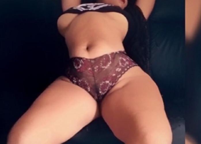 Sua garota ideal acaba de chega na região eclusiva pra homens que adoram um sexo completo