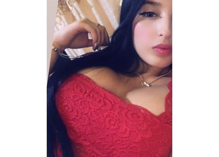 Leticia novinha 18 aninhos, carinha de inocente mas fogosa