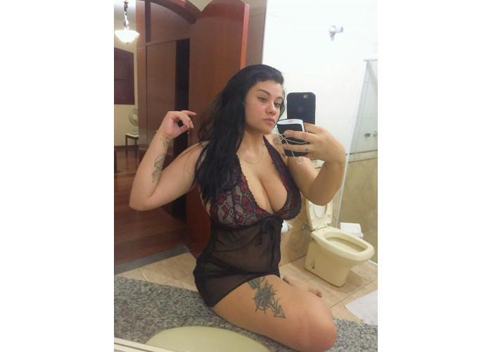 Larissa massagista profissional relaxante e tailandesa, promoção de 150,00 a hora.