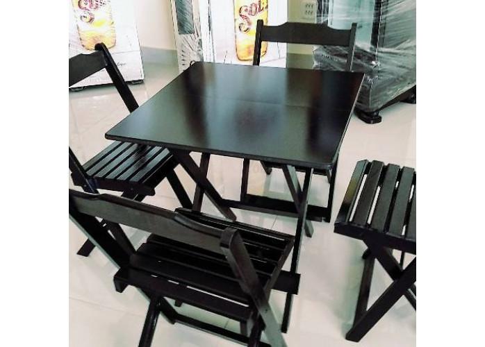 Jogo de mesa e cadeiras dobráveis de madeira