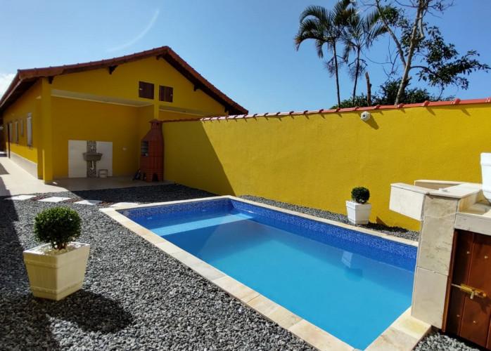 REF: 423230 Casa Nova com Piscina a venda  em Mongaguá/SP. Aceita Financiamento Bancário