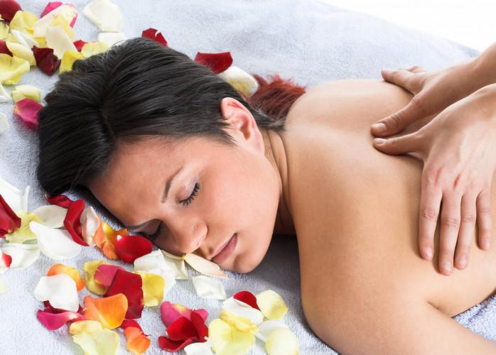 Massagem relaxante, tantrica e tailandesa para elas e casais.