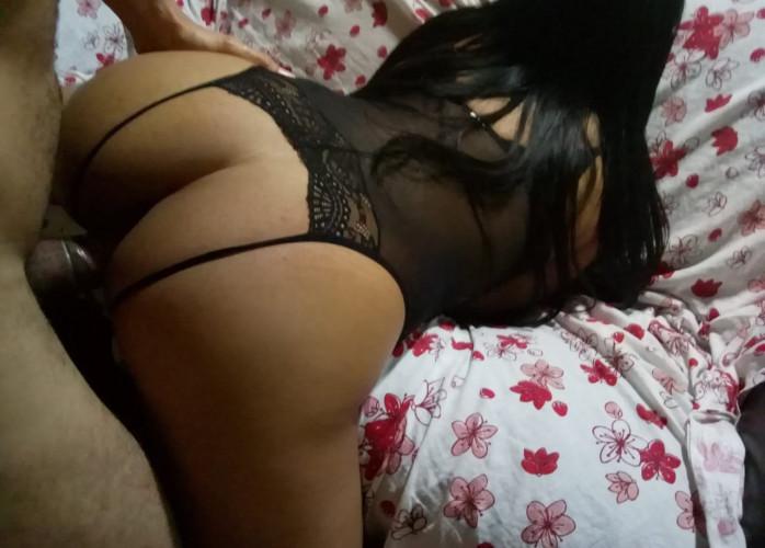 Camila morena linda, 24 anos bronzeada, sem frescuras, liberal para momentos de intimidade, com local (com ar e higieniz