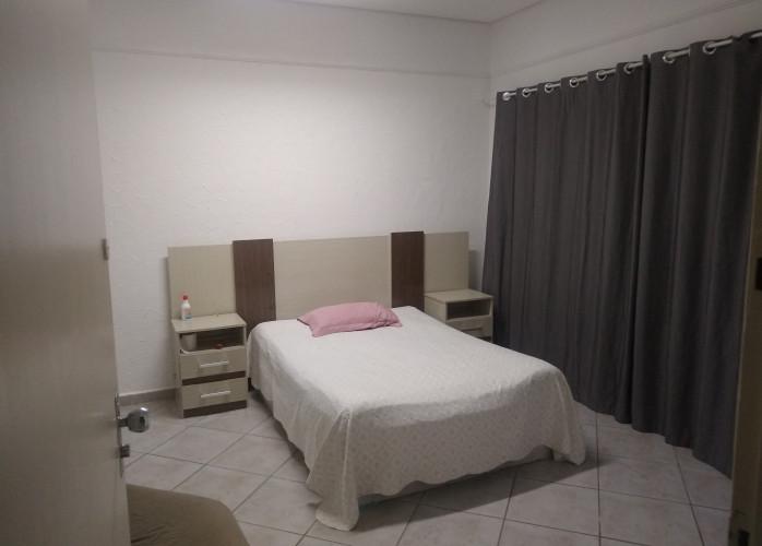 Casa com quartos individuais . Preciso de 2 meninas .