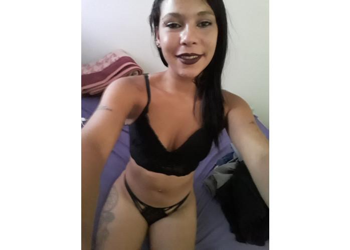 Adriana magrinha pequeninha bucetinha apertadinha q ue esfolar seu pau dlc
