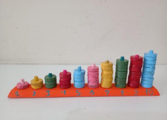 Ábaco Aberto Educativo com os números de 1 a 10 em madeira