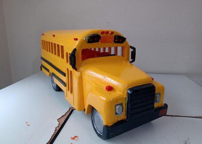 """Réplica: Ônibus Escolar Americano - """"School Bus"""" - em madeira"""