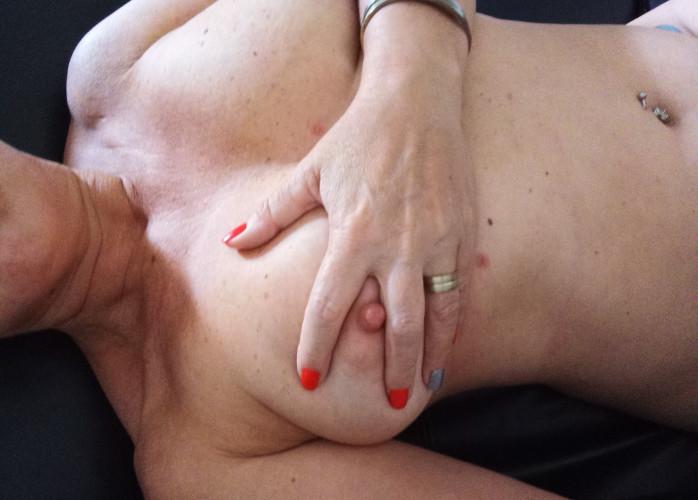 Sou sua Fada dos Desejos, vou adorar realizar suas Fantasias, venha receber uma deliciosa Massagem Relaxante Sensual.