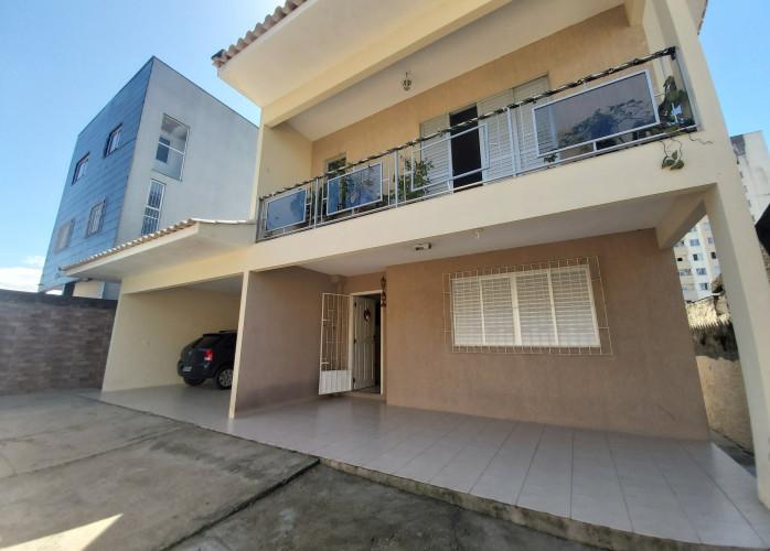 Casa com 4 dorms, Areias, São José - R$ 569 mil