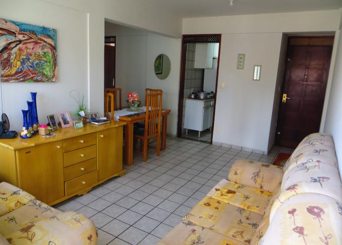 Apartamento 85m, 3/4, andar baixo, muito ventilado, Barro Vermelho, Natal