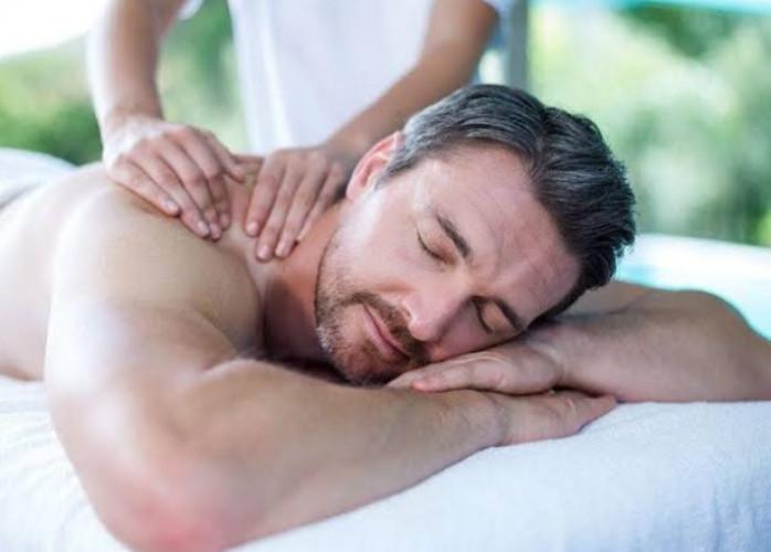 Massagem para alívio das dores e do stress do dia dia